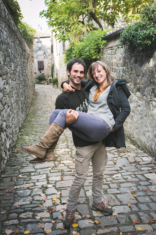 ari and alessio carrying