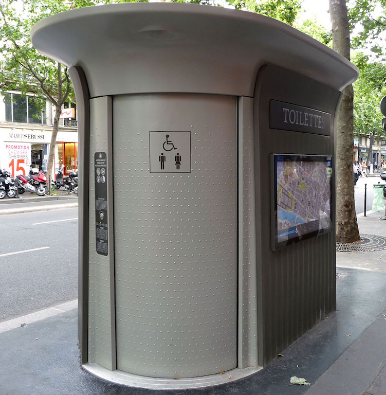 finding public restroom italy travel tip planning consultant guided tours